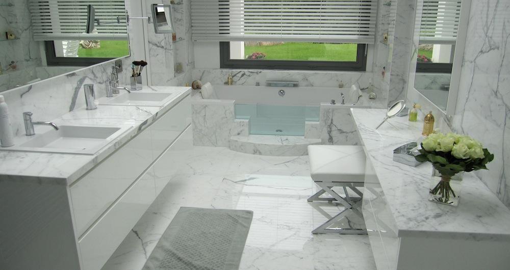 Espace bain - Salle de bain toute blanche ...